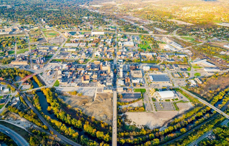 This photo shows an aerial shot of the city of Youngstown, Ohio.